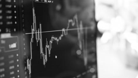 Μάκρο και εμπορικός πόλεμος «αγχώνουν» τις ευρωαγορές