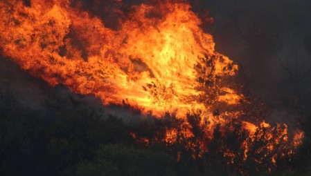Πυρκαγιά στο Λασίθι - Επί ποδός η πυροσβεστική