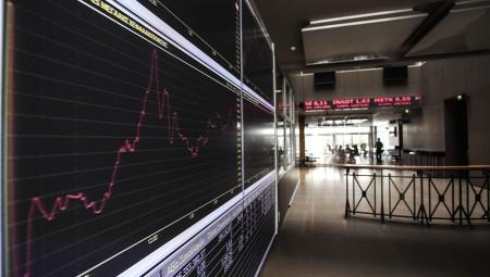 Χ.Α: Συνεχίζουν να απέχουν οι επενδυτές