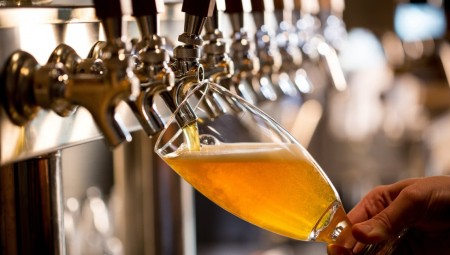 Ρωσία: Αύξηση έως και 20% στην κατανάλωση μπύρας λόγω... Μουντιάλ