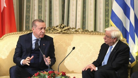 Έτοιμοι για παροχή κάθε βοήθειας, είπε ο Ερντογάν στον Παυλόπουλο