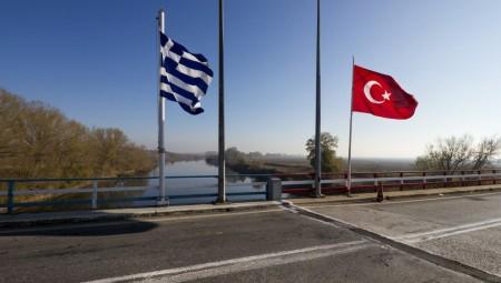 Στον εισαγγελέα 4 Τούρκοι που συνελήφθησαν σε απαγορευμένη ζώνη στον Έβρο