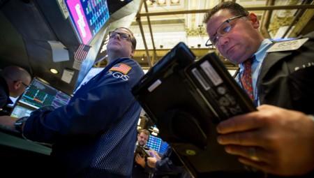 Η Wall Street... αγνοεί τον εμπορικό πόλεμο στην εκκίνηση της εβδομάδας