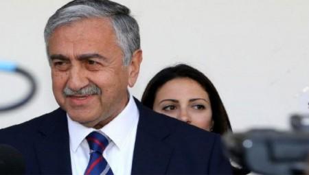Ο Ακιντζί ελπίζει σε «καλές εξελίξεις για το Κυπριακό»