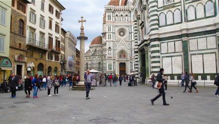Φλωρεντία: Πρόστιμο για τους τουρίστες που τρώνε στον δρόμο!