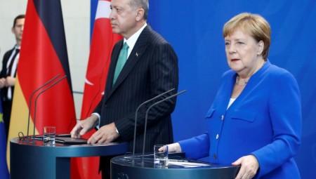 Διακρατική σύνοδος κορυφής για τη Συρία προανήγγειλε η Μέρκελ