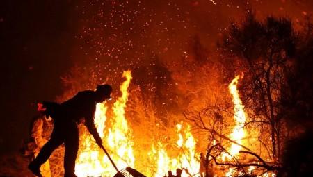 Στους 44 οι νεκροί από τις πυρκαγιές στην Καλιφόρνια