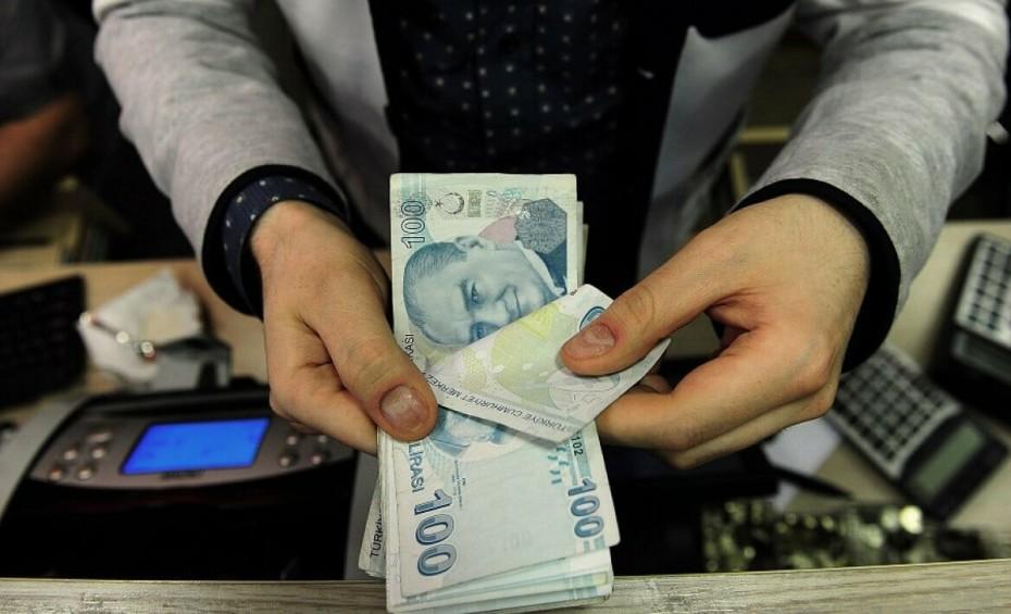 Η τουρκική λίρα έχει χάσει 15% από την αρχή του 2018