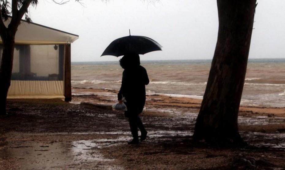 Για ισχυρές βροχές, καταιγίδες ακόμη και χαλάζι προειδοποιεί η ΕΜΥ