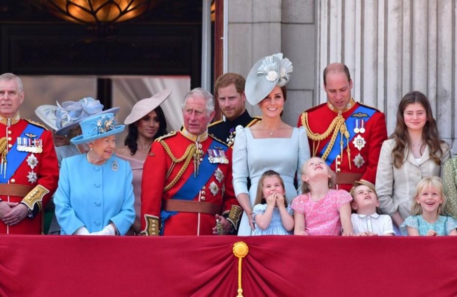 Οι σπατάλες της βασιλικής οικογένειας αυξήθηκαν κατά 40%!