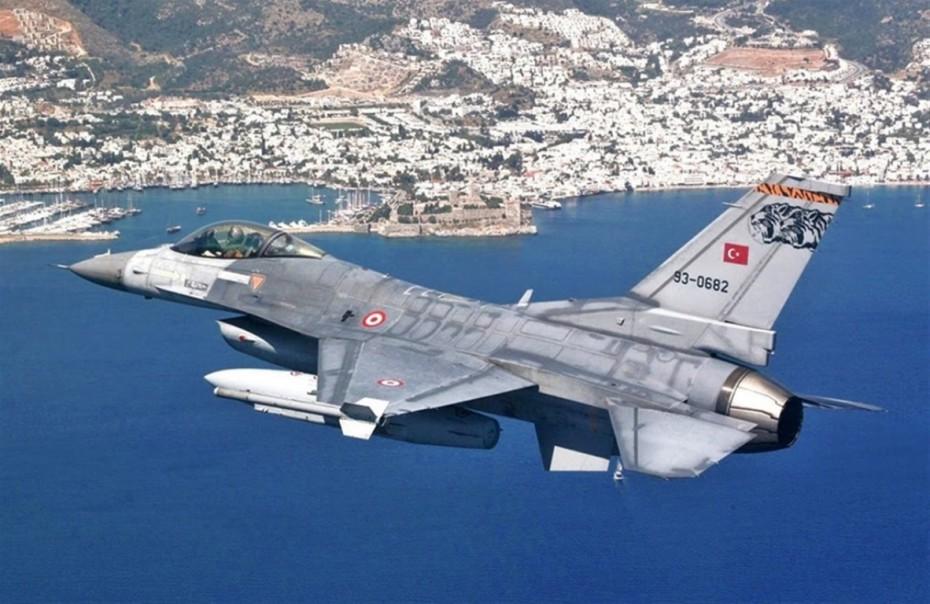 Μπαράζ τουρκικών παραβιάσεων πάνω από το Αιγαίο