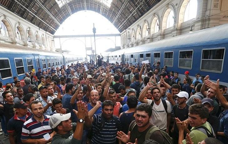 Περισσότεροι από 7.000 μετανάστες στο «καραβάνι» προς τις ΗΠΑ