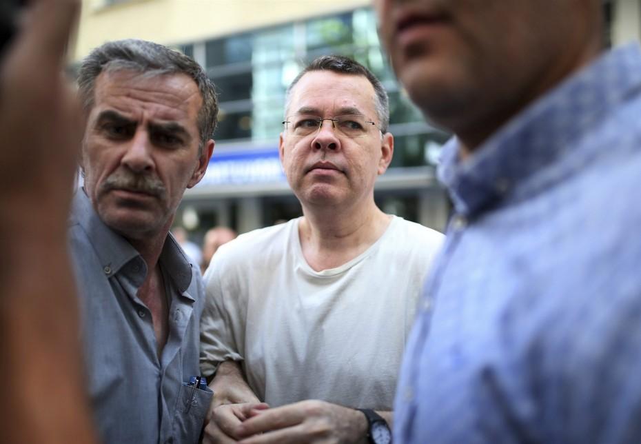 Ο Αμερικανός πάστορας στην Τουρκία απελευθερώνεται άμεσα, γράφει το NBC
