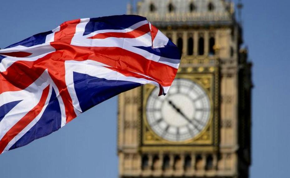Σε χαμηλό 6 μηνών οι βρετανικές πωλήσεις