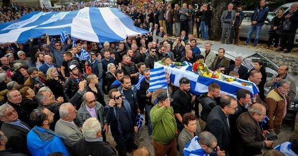 Στις 12 οι προσαγωγές από την κηδεία του Κατσίφα