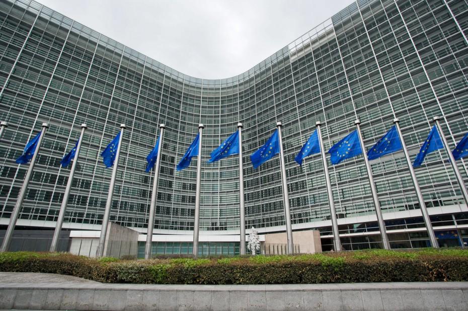 Κομισιόν: Σε «ελεύθερη πτώση» η ανάπτυξη στην Ευρωζώνη
