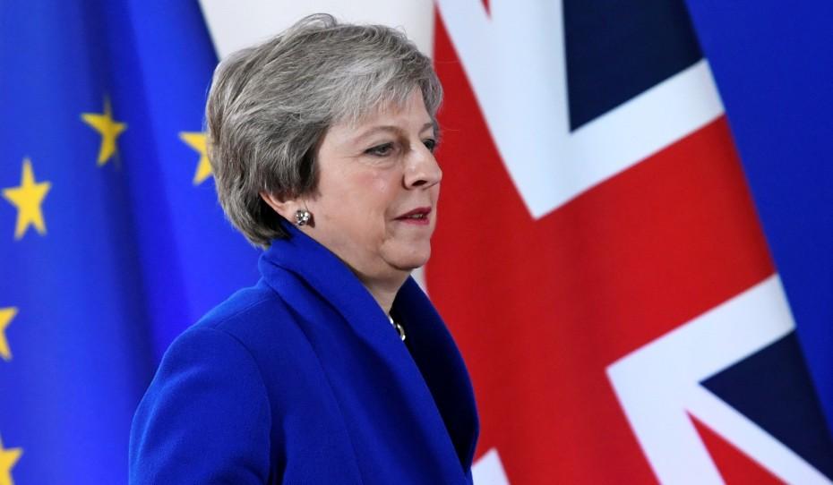 Μέι: «Take it or leave it» η συμφωνία για το Brexit