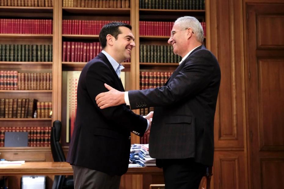 Συνάντηση Τσίπρα με Κυπριανού για το Κυπριακό