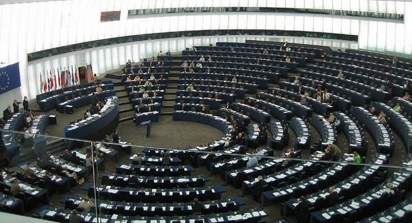 Το Ευρωκοινοβούλιο «χαλάρωσε» τις τράπεζες για τα «κόκκινα» δάνεια