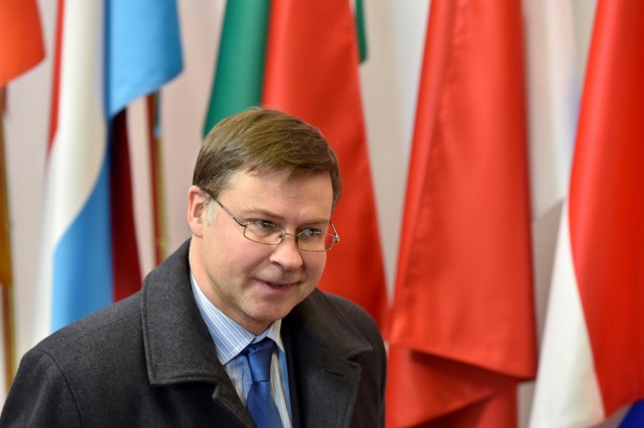 Εκπνέει ο χρόνος για τις αλλαγές στον ιταλικό προϋπολογισμό, τόνισε ο Ντομπρόβσκις