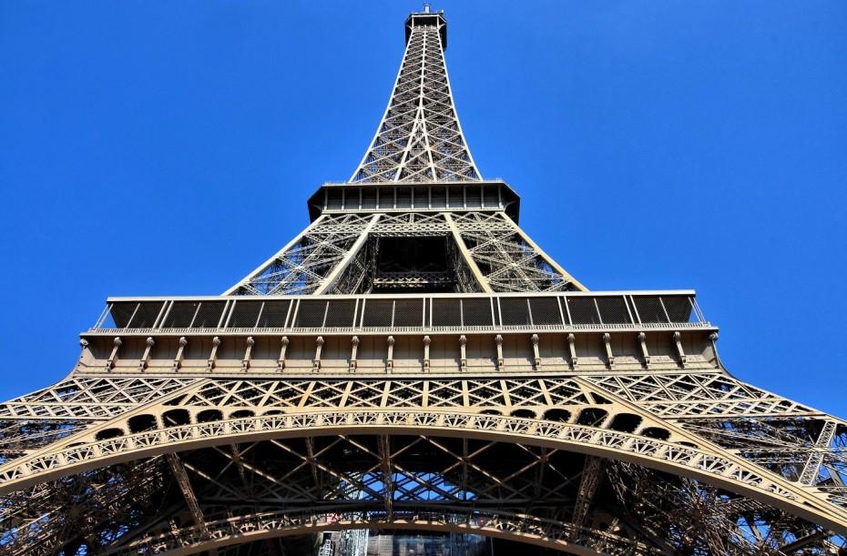 Κλείνει ο Πύργος του Άιφελ λόγω των «κίτρινων γιλέκων»