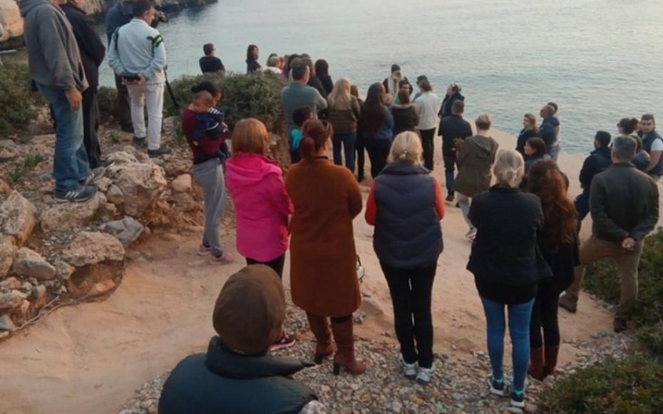 Τρισάγιο στη μνήμη της φοιτήτριας που δολοφονήθηκε στη Ρόδο
