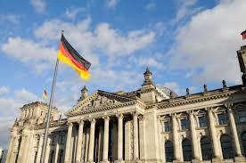 «Ψαλιδίζει» τις εκτιμήσεις για την ανάπτυξη η γερμανική κυβέρνηση