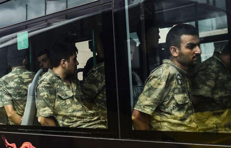 Πογκρόμ συλλήψεων Τούρκων στρατιωτικών επειδή τηλεφώνησαν σε γκιουλενιστές
