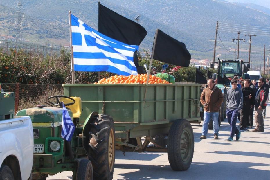 Αγρότες προς Μαξίμου: Έχετε διορία μέχρι τις 7, μετά ξανακλείνουμε τα Τέμπη