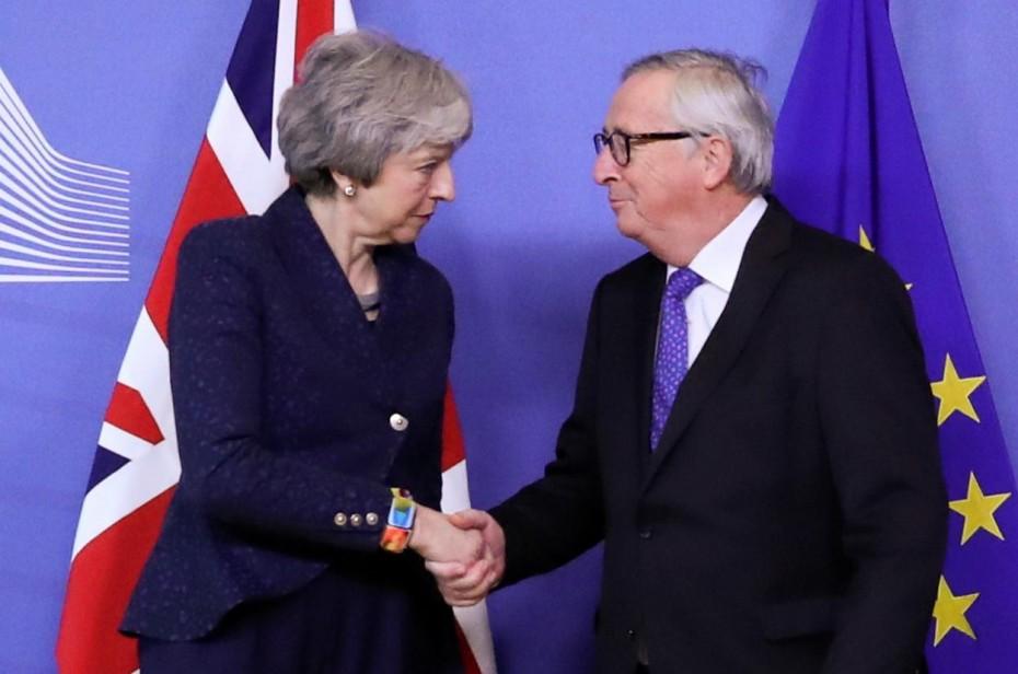 Γιούνκερ και Μέι συμφώνησαν ότι... διαφωνούν για το Brexit