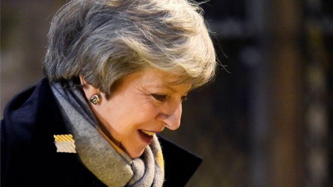 Η Μέι «στήνει παγίδα» στο Βρετανικό Κοινοβούλιο