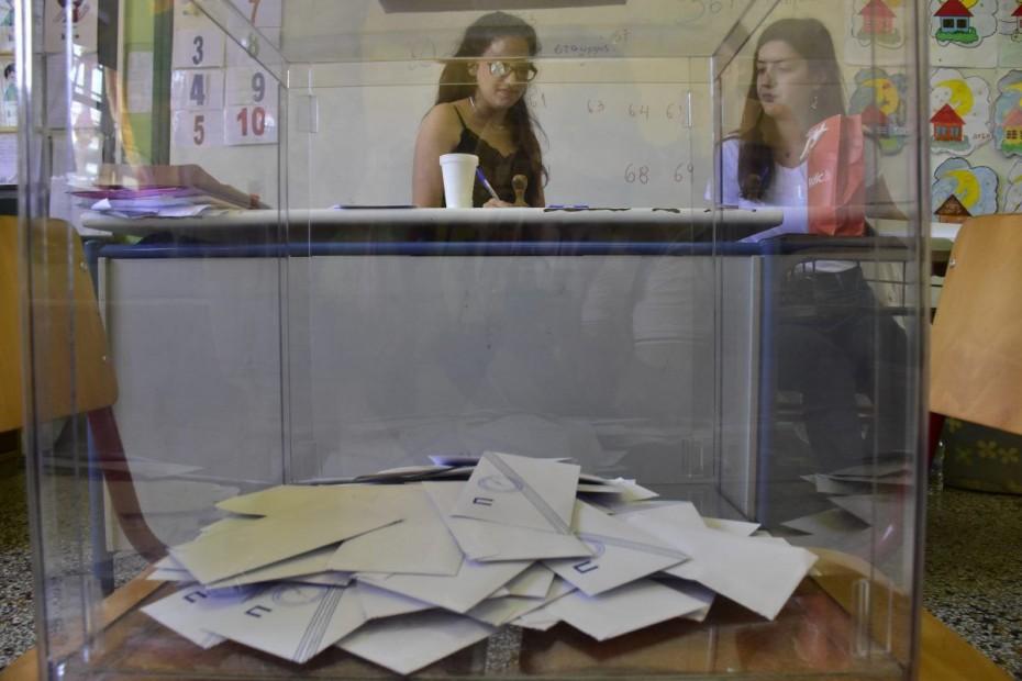 Καθαρό προβάδισμα για τη ΝΔ σε όλες τις δημοσκοπήσεις - Εκλέγει έως 161 βουλευτές