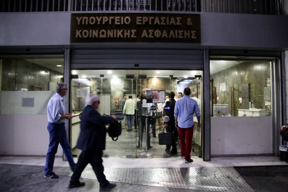 Υποχρεωτική η ΣΣΕ για τους ηλεκτρολόγους στα τεχνικά γραφεία ανελκυστήρων