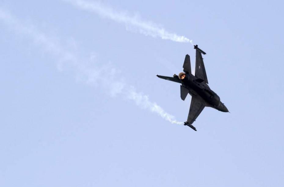 Συνεχίζονται οι τουρκικές παραβιάσεις: Δύο εικονικές αερομαχίες πάνω από το Αιγαίο