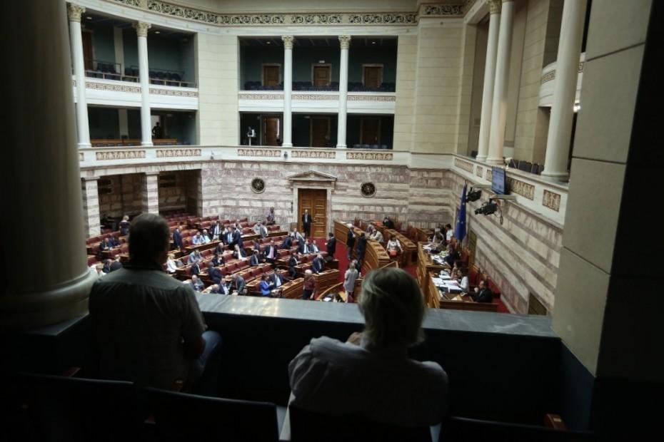 Η πρώτη «μάχη» στη Βουλή για 120 δόσεις και ΕΝΦΙΑ