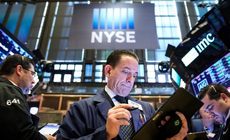 Αρνητική εκκίνηση στη Wall Street λόγω μάκρο και Huawei
