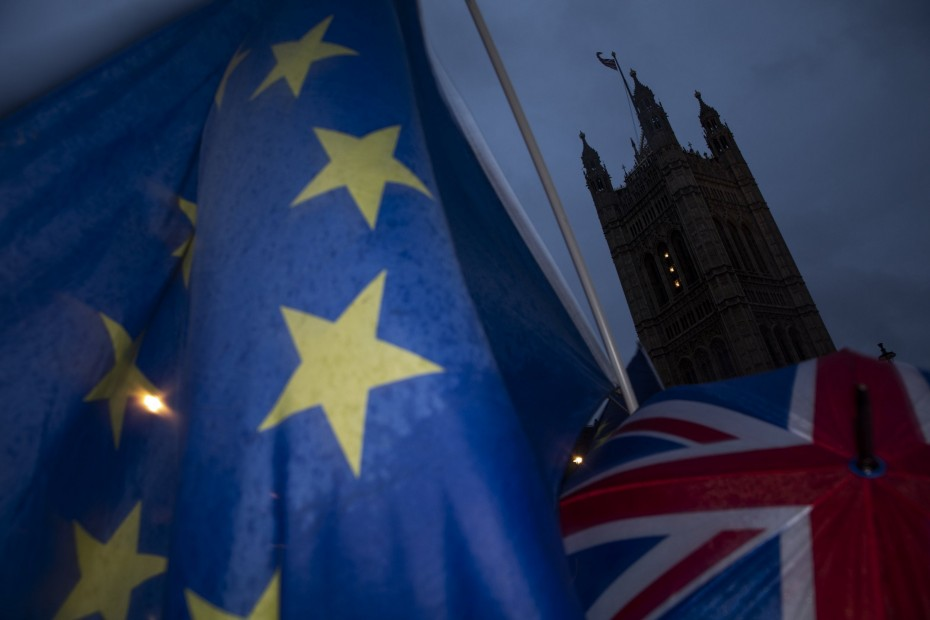 Η Κομισιόν θέλει άμεσα προτάσεις από το Λονδίνο για το Brexit