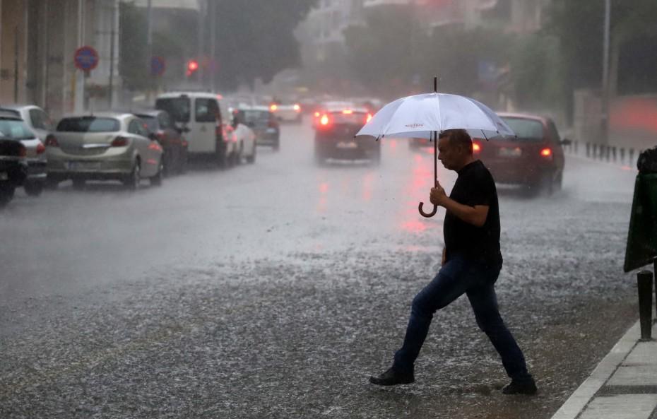 Που θα υπάρξουν βροχές και καταιγίδες το Δεκαπενταύγουστο