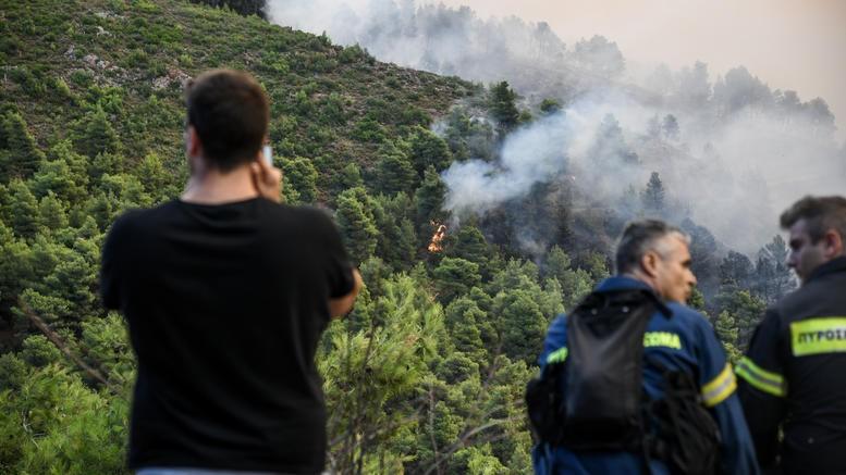 Φωτιές: Νέο μέτωπο στα Καλάβρυτα