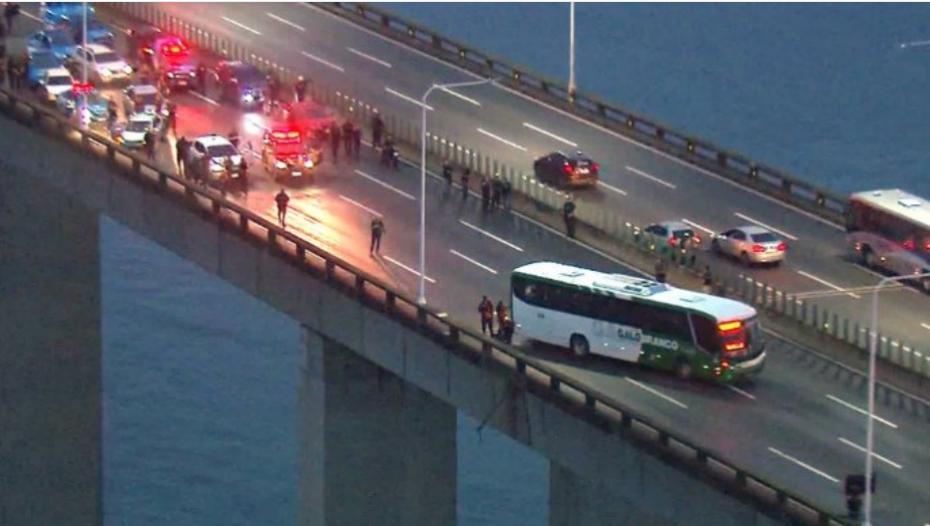 Ομηρία σε λεωφορείο με 16 επιβάτες στο Ρίο ντε Τζανέιρο
