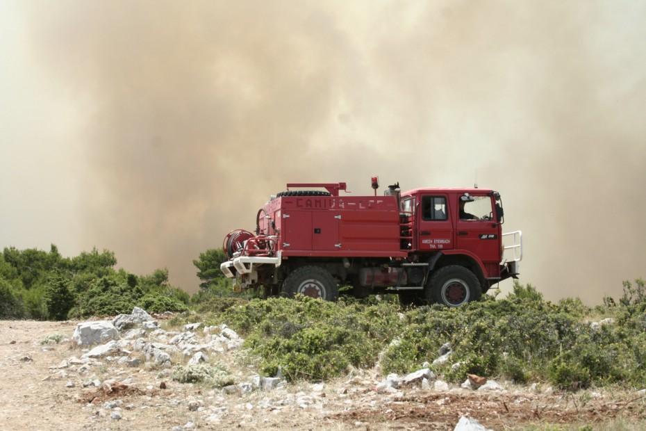 Υπό μερικό έλεγχο η πυρκαγιά στη Σάμο