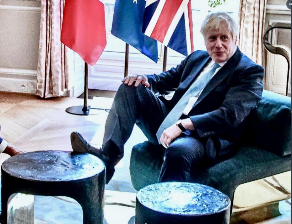 Ο Τζόνσον ετοιμάζει κοινοβουλευτικό «πραξικόπημα» για το Brexit