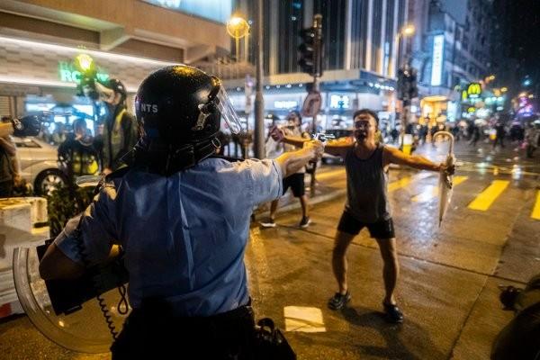 Νέες συλλήψεις ηγετών των διαδηλωτών στο Χονγκ Κονγκ