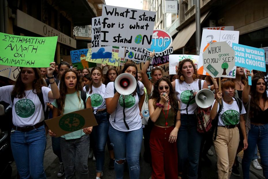 Εύσημα Μητσοτάκη στους μαθητές για την πορεία επί της κλιματικής αλλαγής