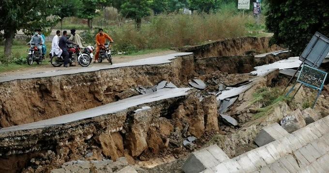 Στους 39 οι νεκροί από το χθεσινό σεισμό στο Πακιστάν
