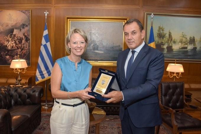 Με την πρέσβη της Σουηδίας συναντήθηκε ο Παναγιωτόπουλος