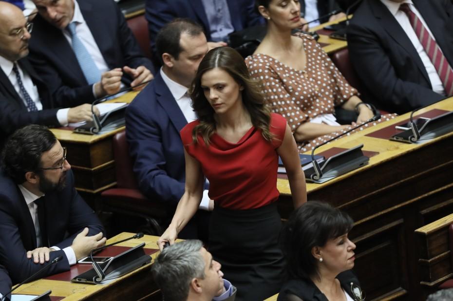 ΣΥΡΙΖΑ για εργασιακά: Η κυβέρνηση ακολουθεί τις προτάσεις ΣΕΒ και ΔΝΤ