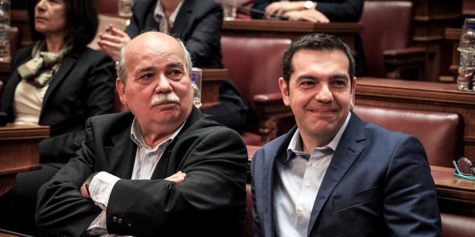 Σχεδόν 17 εκατ. ευρώ το κόστος από τους μετακλητούς του ΣΥΡΙΖΑ στη Βουλή