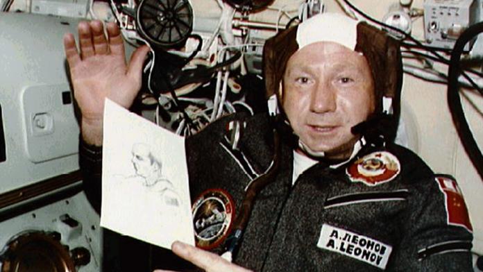 Πέθανε ο Αλεξέι Λεόνοφ, ο πρώτος αστροναύτης που έκανε διαστημικό περίπατο