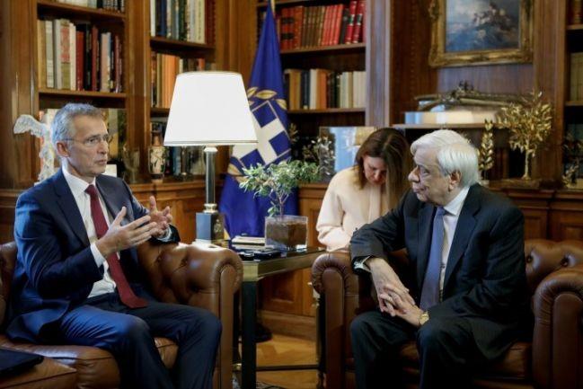 Ο Παυλόπουλος έθεσε τις τουρκικές παραβιάσεις στον επικεφαλής του ΝΑΤΟ